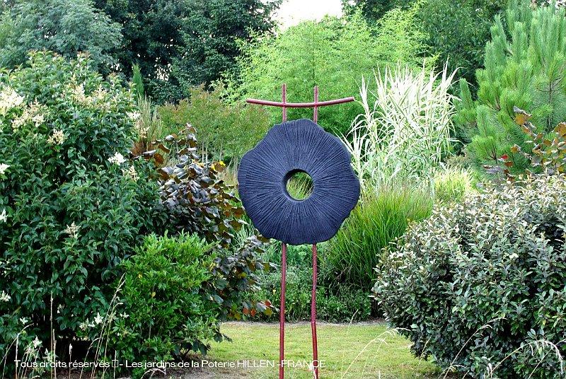 Au jardin contemporain - Poterie decorative pour jardin ...